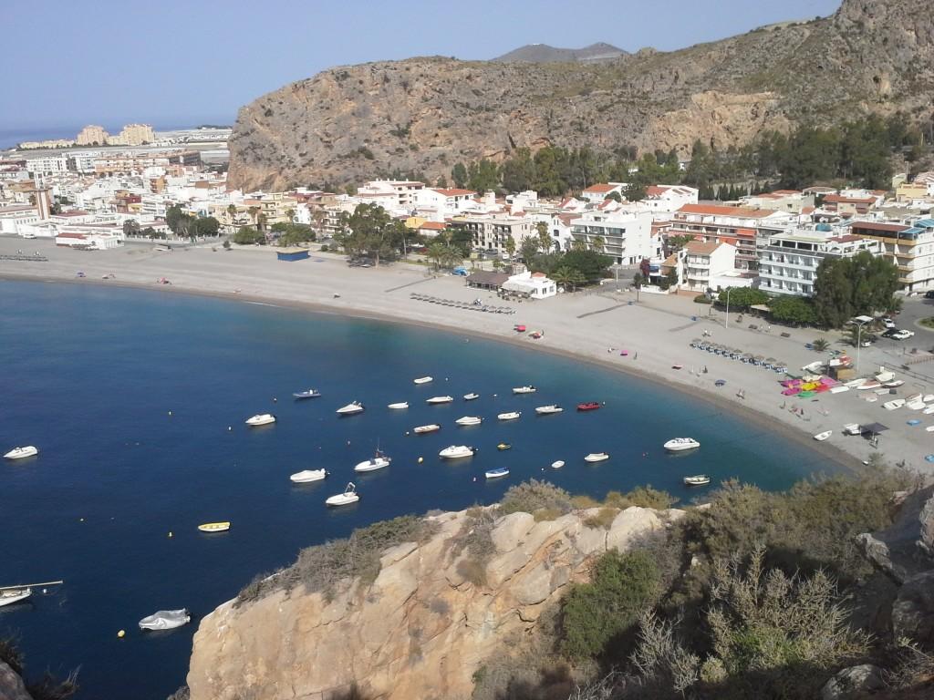No sólo es que haya playas en Granada, es que son una pasada.
